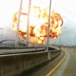 【動画】韓国、停泊中の石油タンカーが大爆発!もの凄い火球が…!? その瞬間映像 [海外]