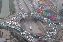 中国では煽り運転があまりない 追越車線の最低速度が110キロなためトロイ車がいない