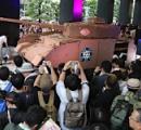 【画像】秋葉原にIV号戦車