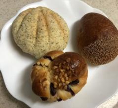 ブーランジェリー ドーヨーの菓子パンと食パン
