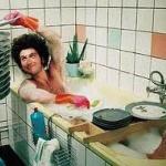 夫婦円満の秘訣は皿洗いにあり・・・皿さえ洗っておけば、妻は大喜びで感謝する、とにかく皿を洗え!