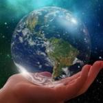 実は地球は動いていなくて周りの空間が回ってる可能性ってある?