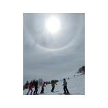 『アライスプリングキャンプ。雪と青空&新緑のスキー。』の画像