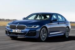 BMW、新型「5シリーズ」発売!