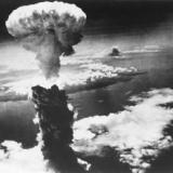 【閲覧注意】原子爆弾、きのこ雲の下でおきたことが地獄絵図・・・