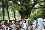 5/21(土)は大きなくすの木の下で工作だ!毎年恒例・交野のアート風物詩イベント『かけらで作ろうかけら人形』【PR】