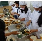 """小学校で""""給食抜き""""の不適切指導 「ママ、お腹空いた」で発覚"""