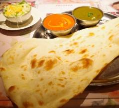 【田町】遅めのランチもOK!カジュアルな雰囲気で美味しいナンカレーランチ「ラフィー インディアンレストラン」