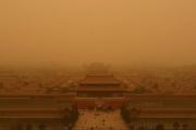 【中国大気汚染】黄砂に覆われ「最悪」超える 北京の大気汚染[03/28]