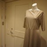 『FABIANA FILIPPI(ファビアナフィリッピ)シャイニープリーツドレス』の画像
