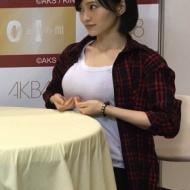 山本彩、写メ会で胸をエロ惜しげもなく披露wwwwwww【画像あり】 アイドルファンマスター