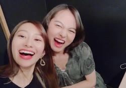 エモwww 伊藤万理華×桜井玲香、弾ける笑顔が素敵すぎるwwwwwww
