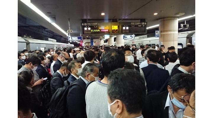 【悲報】今朝の東京、人身事故で超3密状態だった