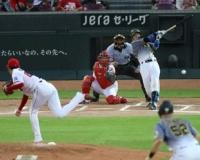 【阪神】このカード初めて先制!満塁から梅野の遊ゴロで三塁走者生還!!