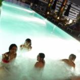 『横島亜衿ちゃんの水着姿◎日本が大寒波の中、タイ組はプールでエンジョイ ※画像あり』の画像