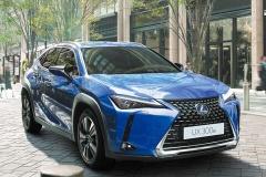レクサス、新型EV「UX300e」135台抽選販売 580万円~