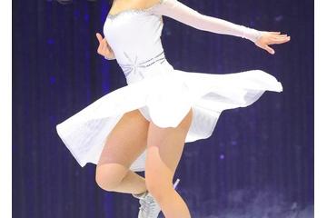 【画像】本田望結ちゃん(15)女らしい身体つきになる