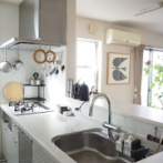 築15年建売住宅のフツーなキッチンに、憧れのグースネック水栓がやって来た。