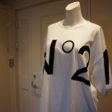 『N°21(ヌメロ ヴェントゥーノ)ビッグロゴTシャツ』の画像