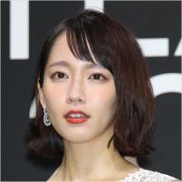 """吉岡里帆、主演ドラマ「爆死」でバレた""""人気の正体"""""""