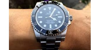 【衝撃】明らかに偽物の高級時計を買ったら、嫁(交際前)「その時計すごいですね、10万円くらいしたんですか?」