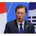 文大統領「被害者たちの苦痛を癒したとき韓国と日本は真の友人になる。」