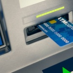 ATMで何回も操作する奴wwwwwww