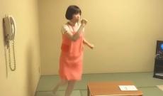 【乃木坂46】秋元真夏さん、それ転んだらやばいよ…