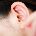 耳鼻科医「耳掃除は不要です。むしろ、やりすぎるのは良くない。」