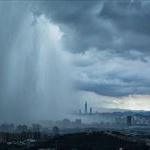 【世紀末感】大阪でゲリラ豪雨の瞬間、上空から捉えた1枚の写真
