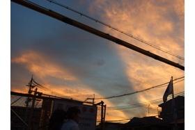 モーゼっぽい夕焼け空を見た ~第二京阪とガストの近く~