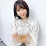 『[お知らせ] 大宮ツアーで、大場花菜のイラスト入りの草加煎餅をプレゼント…【イコラブ】』の画像