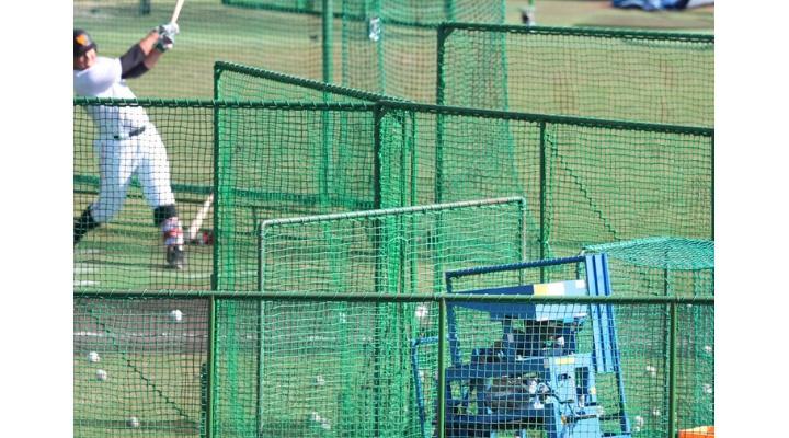 巨人・岡本和真、200キロ速球に完敗・・・