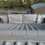 『協力して屋根工事|鉄板横葺き屋根』の画像