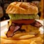 昭和の外装モダンな内装【大森】CHANgES Burger