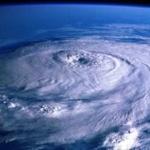 台風24号「チャーミー」 日曜から月曜にかけ列島縦断の恐れ