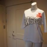 『MSGM(エムエスジーエム)ロゴ&パームツリープリントカットソー』の画像