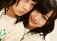 【AKB48】倉持明日香が篠崎彩奈の耳をロックオン!