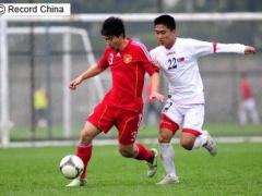 5万人の観客が静かに試合を見つめる……北朝鮮はサッカーの試合もやはり不思議だった―英メディア