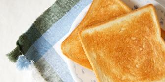 日曜の朝食作りは旦那の受け持ちなんだけど、パンを焼く時の要領が悪い。ある日焼く順番を提案してみたら…