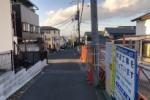 歩道工事中で道路幅が広がる予感〜河内森駅と河内磐船駅をつなぐ道沿いのところ〜