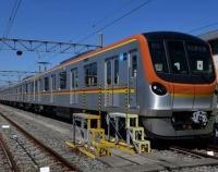 『東京地下鉄 有楽町線と副都心線の新型車17000系お目見え』の画像