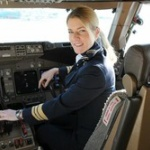 自衛隊が女も戦闘機パイロットに登用する事を決定