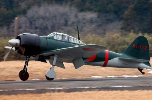 【おかえり】本日、零戦が約70年ぶりに東京の空へ!レッドブル・エアレースで展示飛行のサムネイル画像