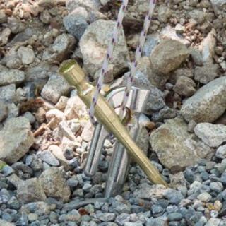 キャンプ場とキャンプ道具を狭く深く語るブログ(略して「セマフカ」)