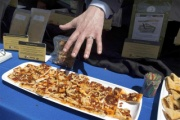 米軍、3年もつ軍用ピザを公開