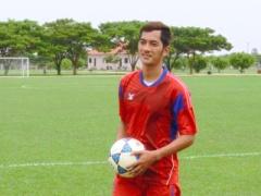 """カンボジア代表のエースは香川真司ファン!その名も """"ウドン""""!「ドルトムントの試合はいつもテレビで見ている。カガワが大好きなんだ」"""