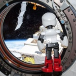 【画像】トヨタら、ロボット宇宙飛行士「KIROBO(キロボ)」の地球帰還を発表