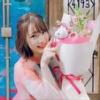 『【悲報】内田真礼さん、5万円もするTシャツを着てしまう。俺らが貢いだ金で買ったのか真礼…?』の画像