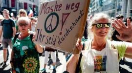 【新型コロナ】 欧州、広がる反マスク…「自由の侵害」と反発